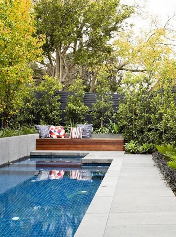 Swimming Pool Garden Ideas: Add Earthy Color