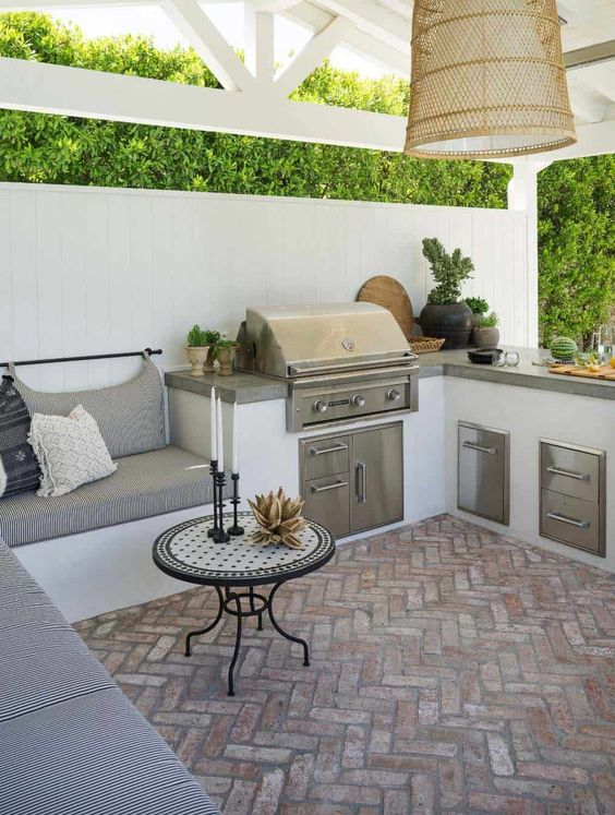 Backyard Grill Ideas: Cozy Grill Station