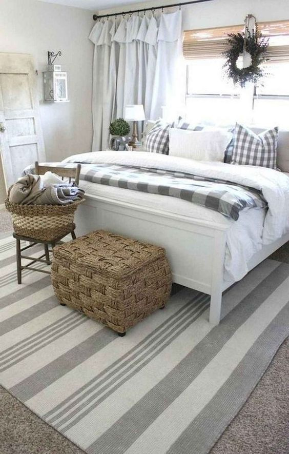 farmhouse bedroom ideas 19