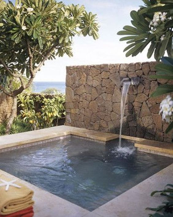 outdoor swimming pool ideas 10