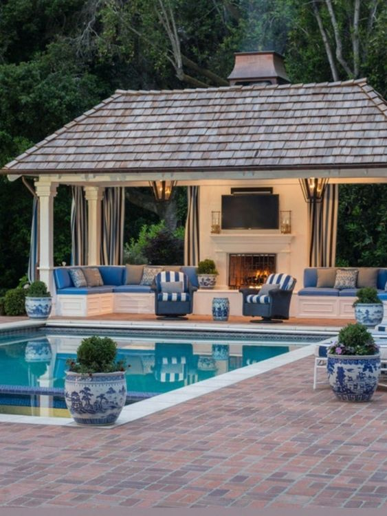 outdoor swimming pool ideas 14