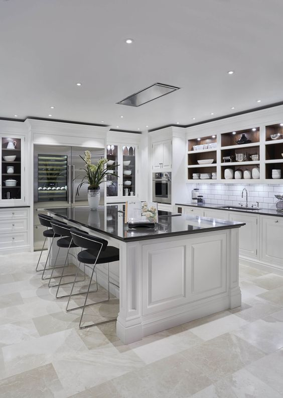 Big Kitchen Ideas: Minimalist Black and White