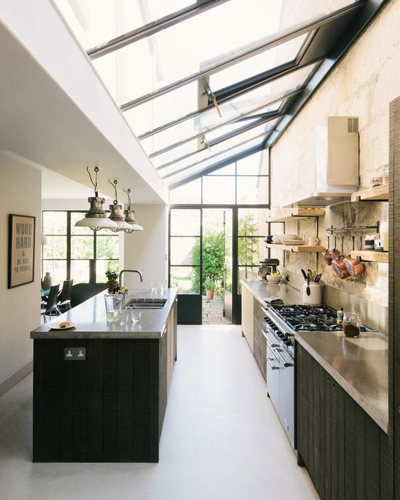 Big Kitchen Ideas: Brightly Earthy Kitchen