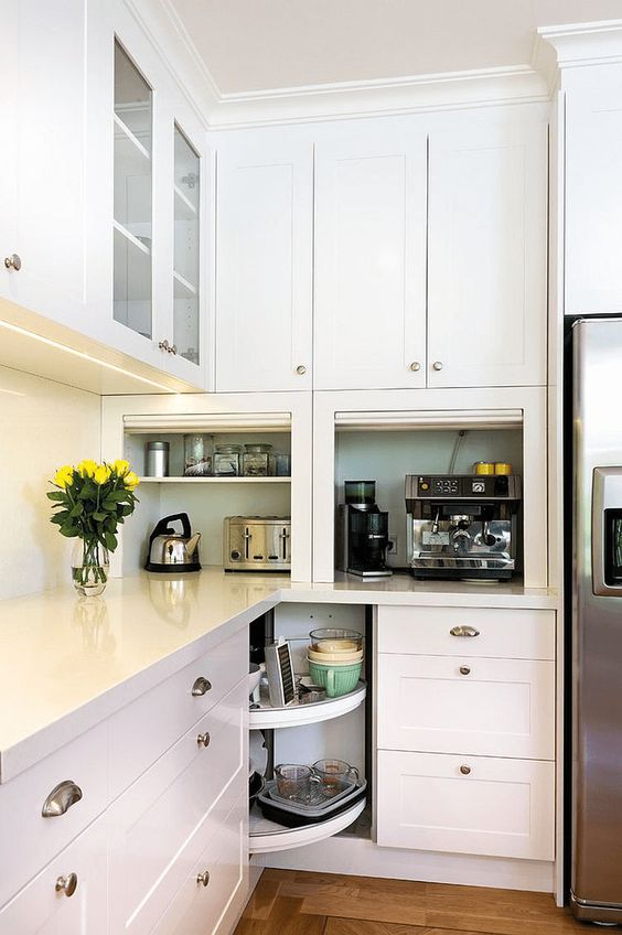 Kitchen Cabinets Ideas: All-White Cabinet