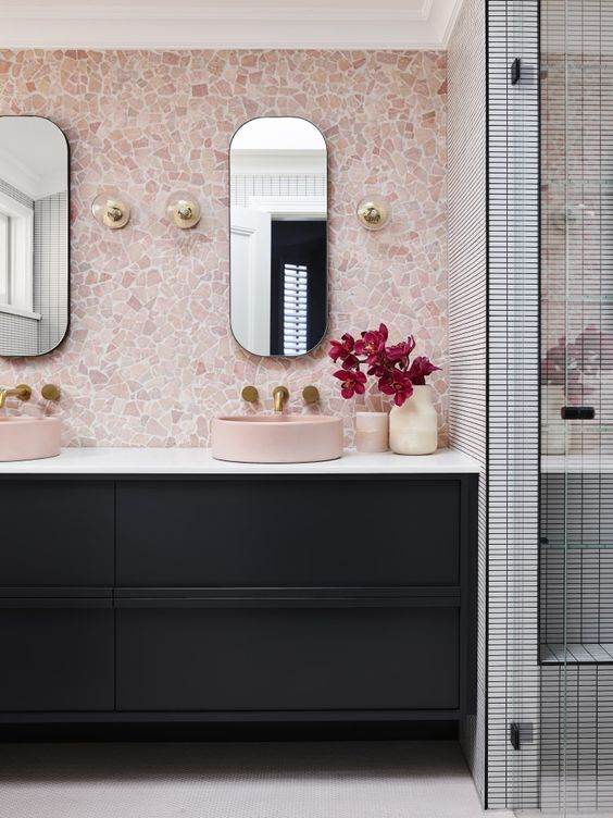 Pink Bathroom Ideas: Lovely Pink Wall