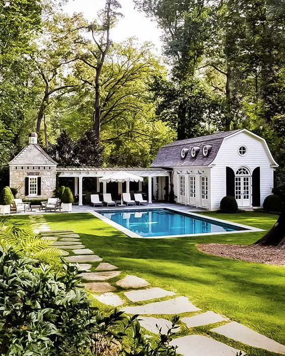 Backyard Pool Ideas: Cozy Backyard Pool