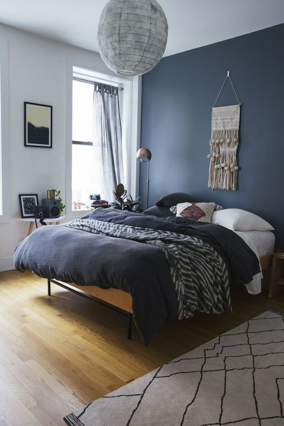 Bedroom Blue Ideas: Stylish Navy Bedroom