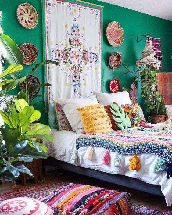 Boho Bedroom Ideas: Colorful Items