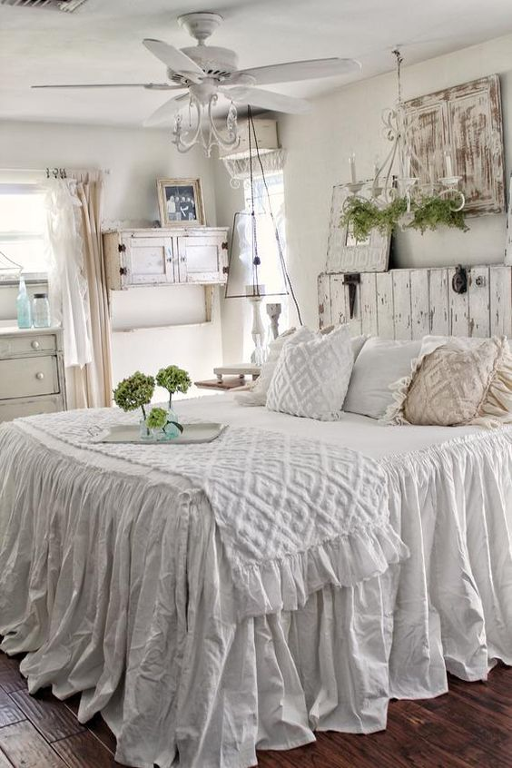 Shabby Chic Bedroom Ideas: Elegant White Bedroom