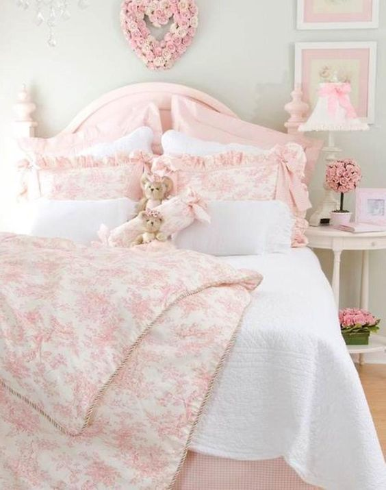 Shabby Chic Bedroom Ideas: Stunning Soft Pink