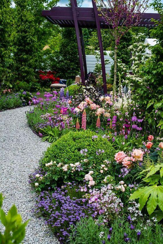 Backyard Garden Ideas: Beautiful Flower Garden