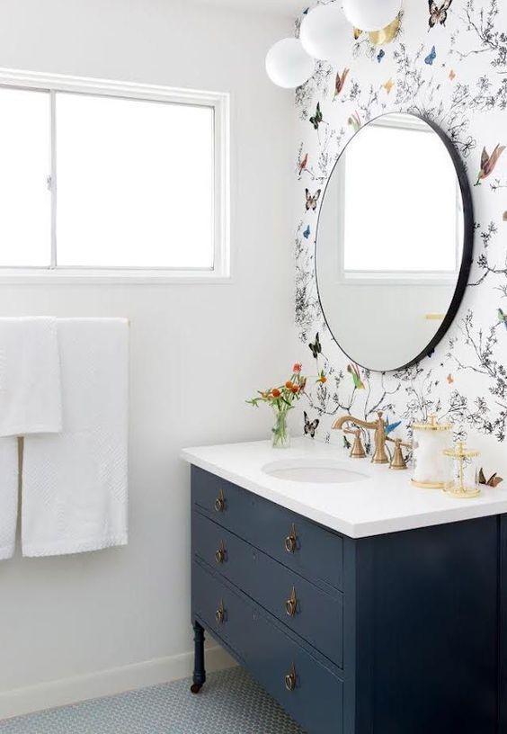 Bathroom Wallpaper Ideas: Chic Floral Wall