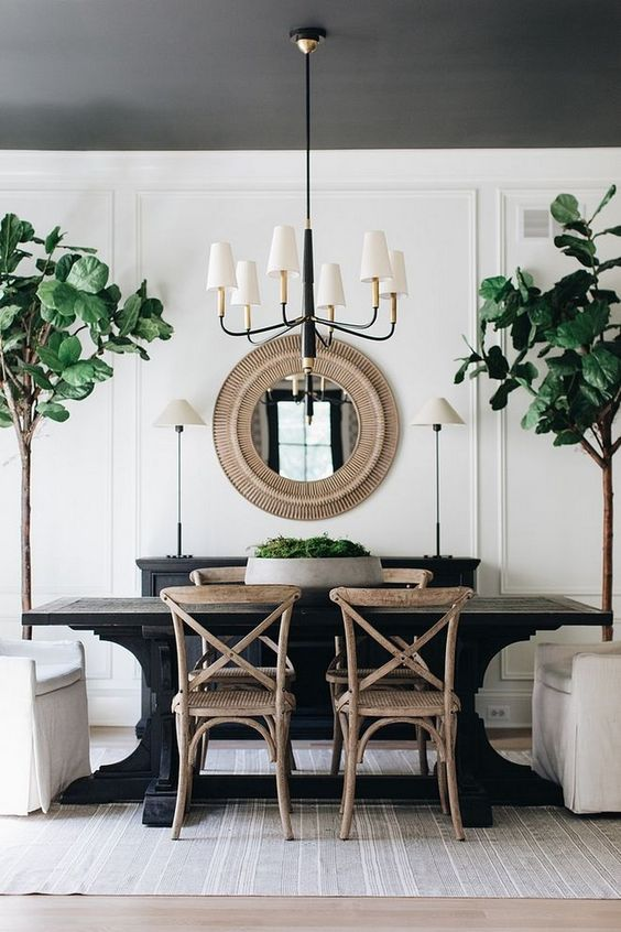 Dining Room Paint Ideas: Minimalist Black and White