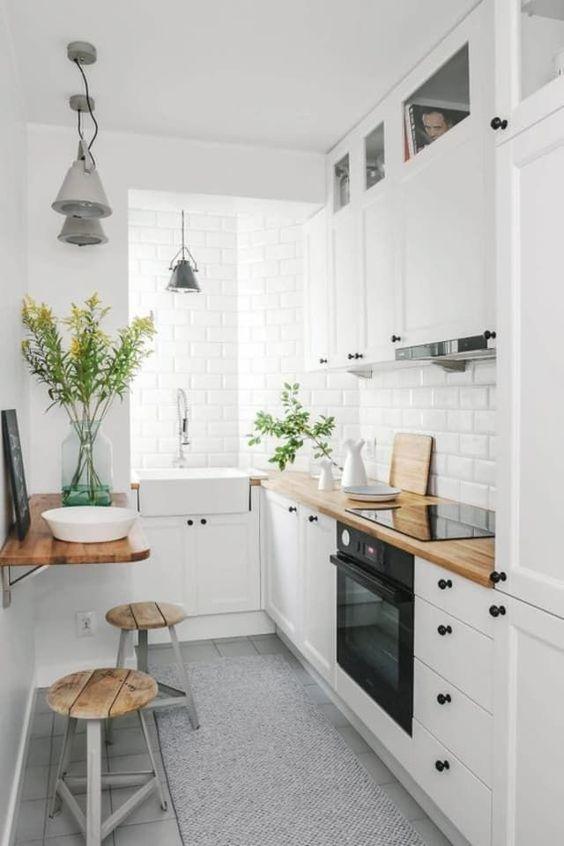 Small Kitchen Ideas: Earthy Simple Kitchen