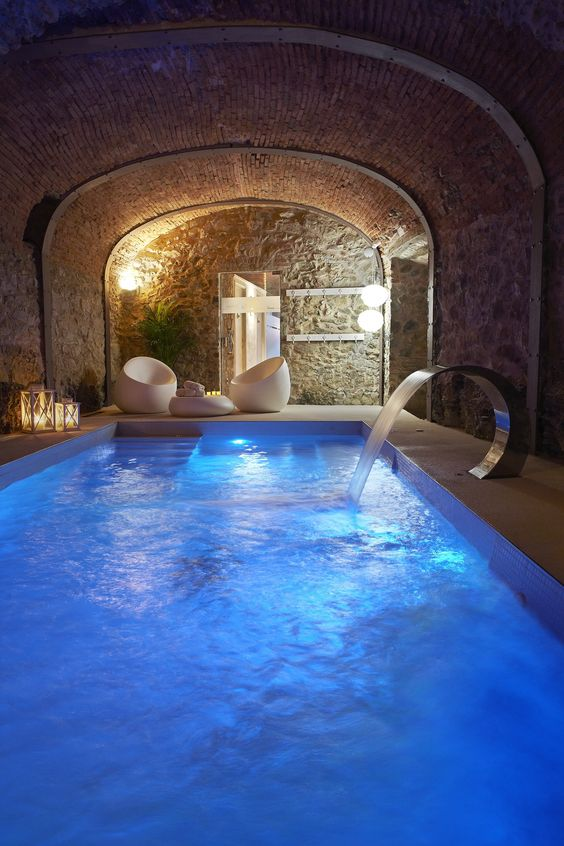 Unique Swimming Pool Ideas: Luxurious Cave Pool
