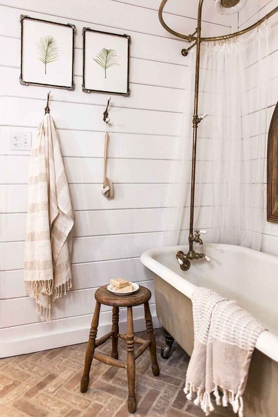 Farmhouse Bathroom Ideas 16
