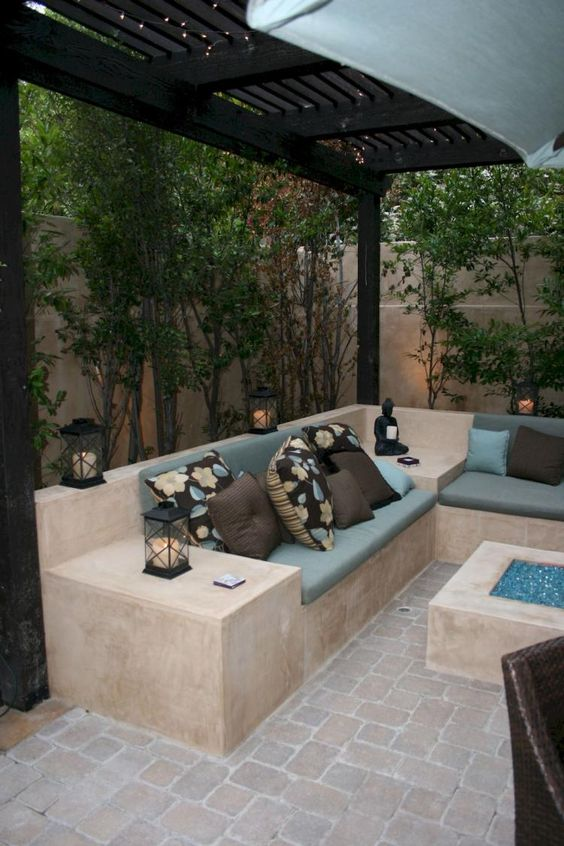 backyard sitting area ideas 11