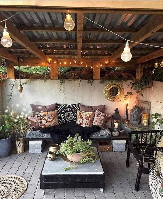 backyard sitting area ideas 13