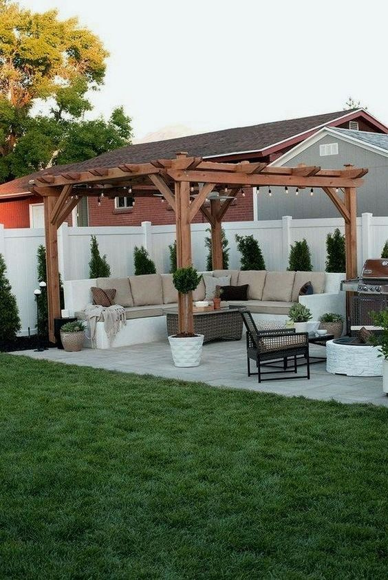 backyard sitting area ideas 16