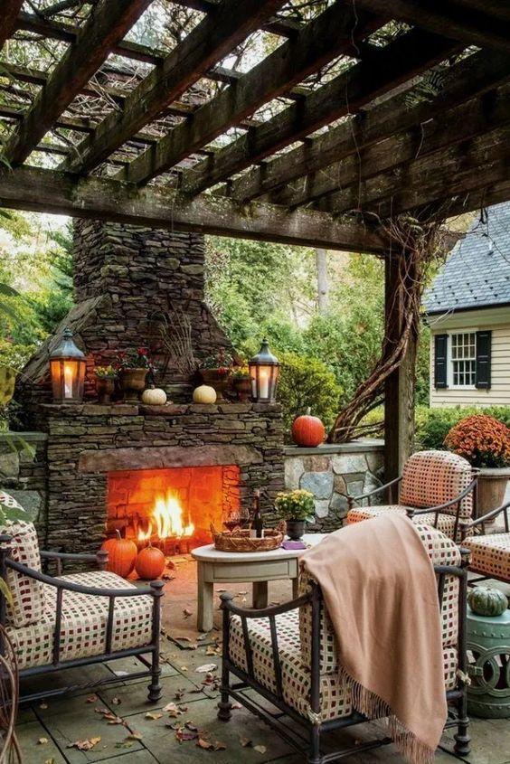 Backyard Fireplace Ideas: Classic Rustic Vintage